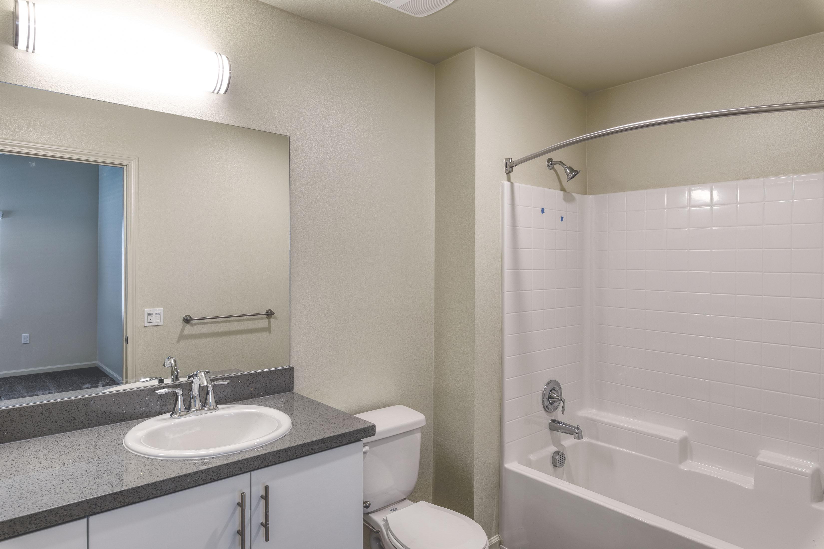 C&C_Unit101_Bathroom2_0135c-11x8