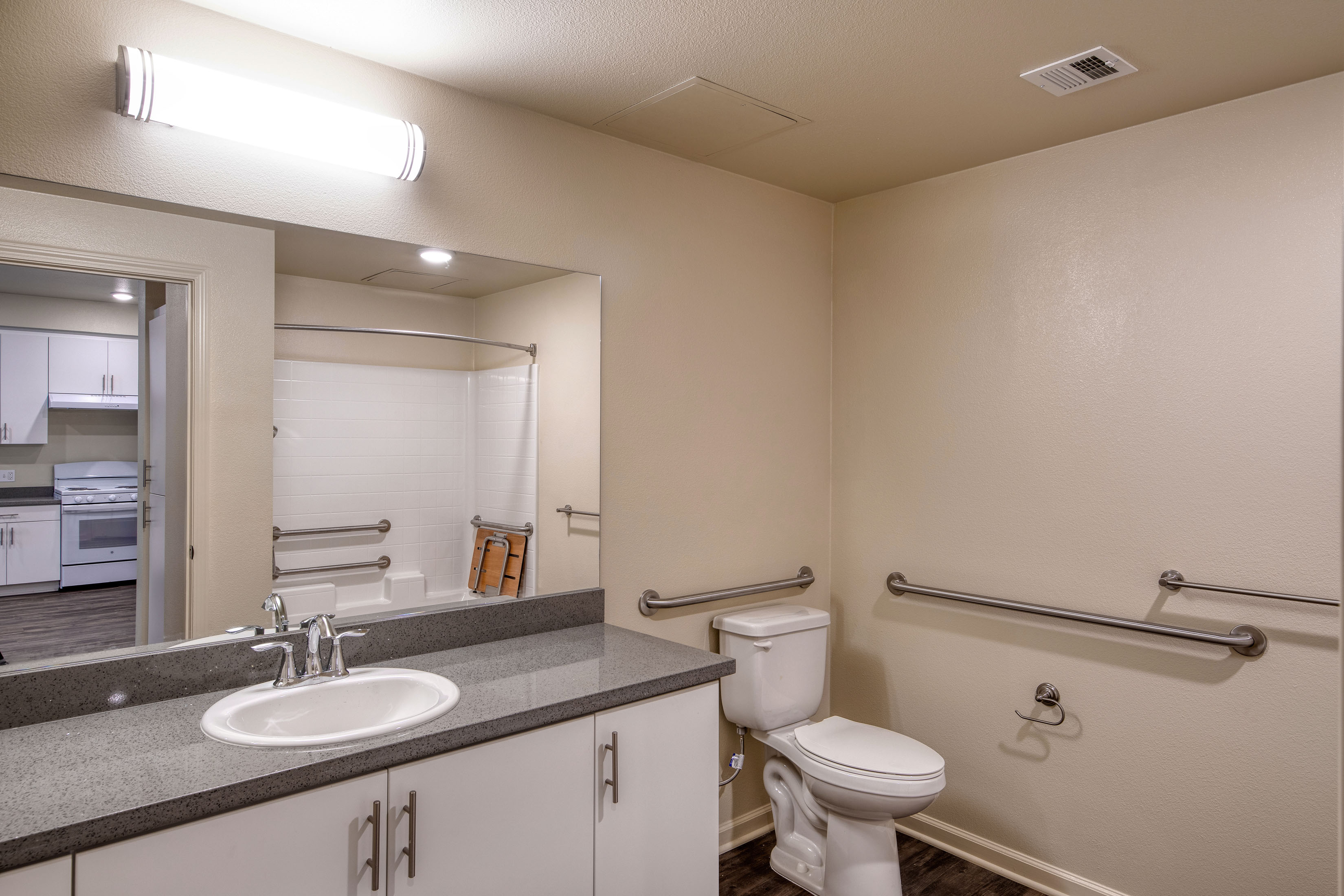 C&C_Unit102_Bathroom1_0182a-11x8