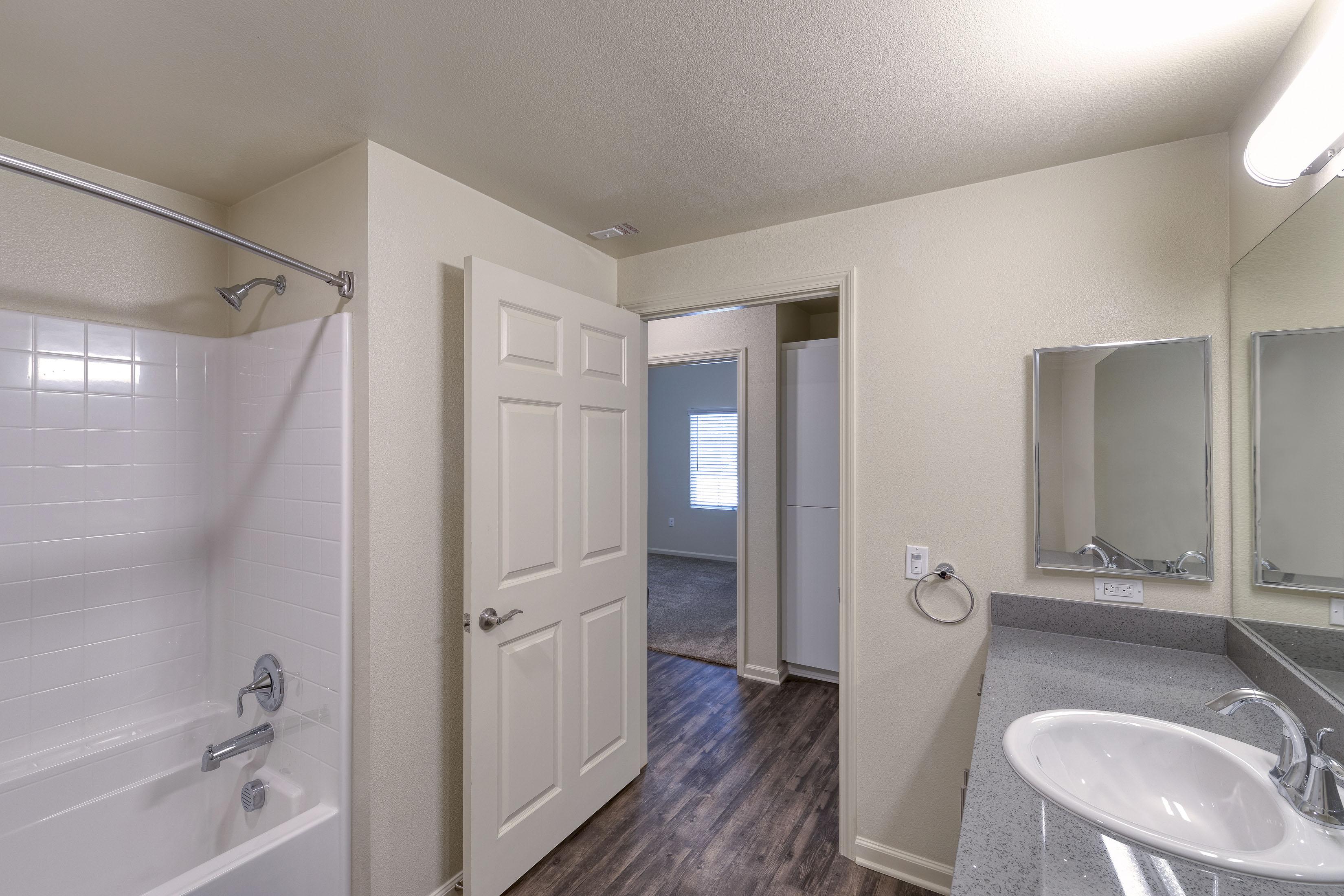 C&C_Unit103_Bathroom2_0054b-11x8